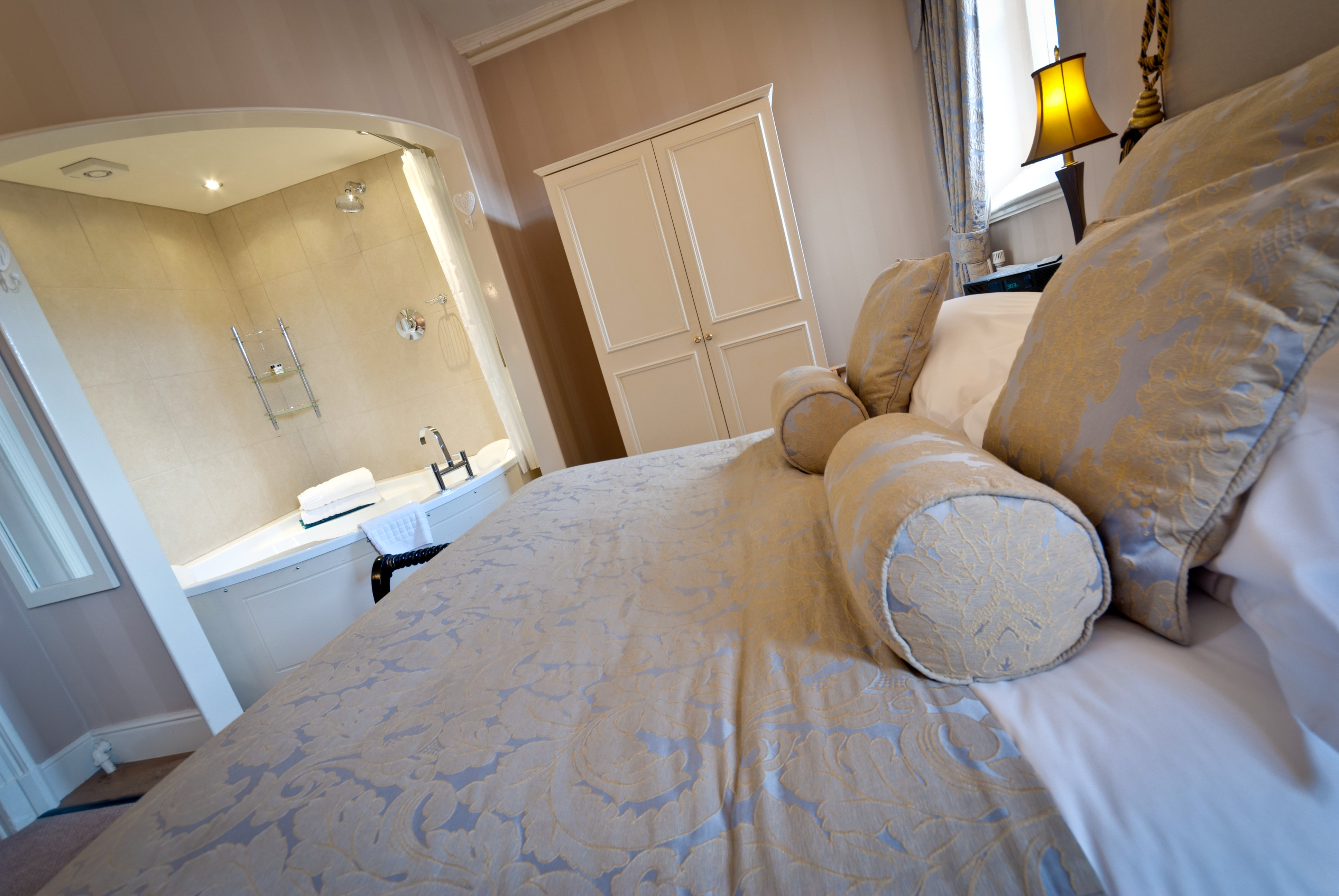 Enjoy the comfort of the Castle Hotel