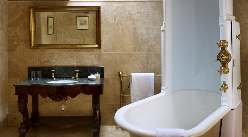 bathrooms, inn at whitell, traditional bedrooms, traditional bathroomws, eccentric, lancashire