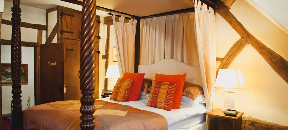 A four poster bed at The West Arms, Llanarmon Dyffryn-Ceiriog