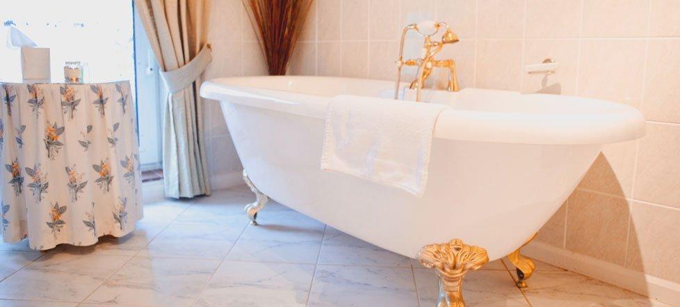 A bath at The West Arms, Llanarmon Dyffryn-Ceiriog