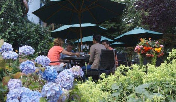 Al fresco dining at The Bear Hotel