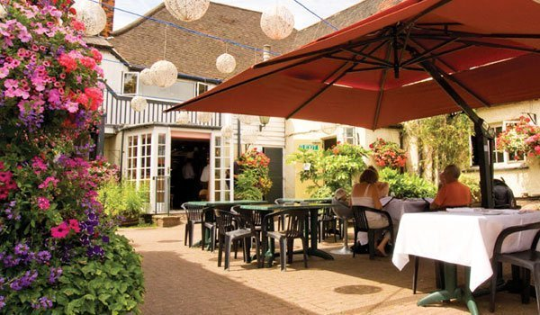 Al fresco dining at The Bell Inn